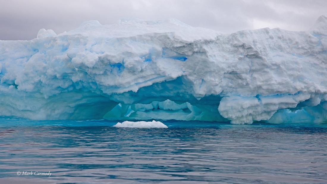 MC__1641Blue ice