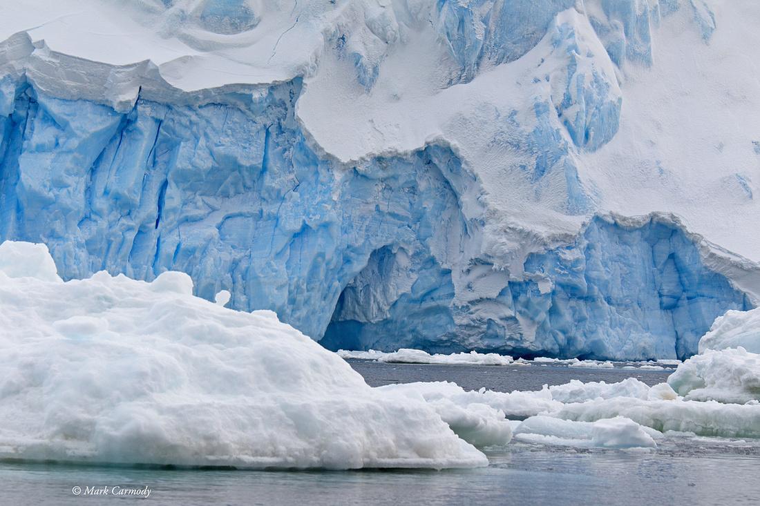 MC004769 Antarctic Glacier